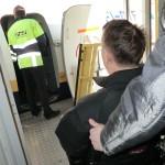 инвалид в аэропорту (2)